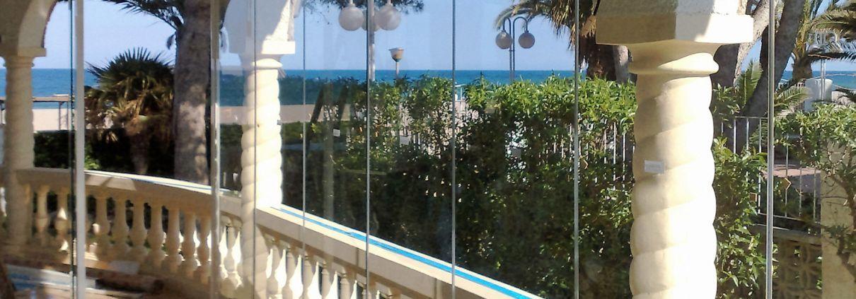 Acristalamiento de terrazas y ticos con garant a caltesa for Acristalamiento de terrazas precios
